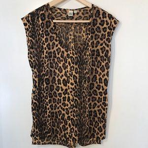 14th & Union cheetah print top